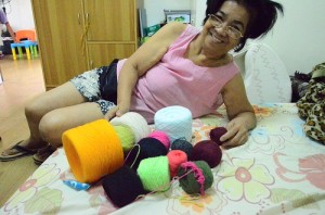 Mama likes the yarns