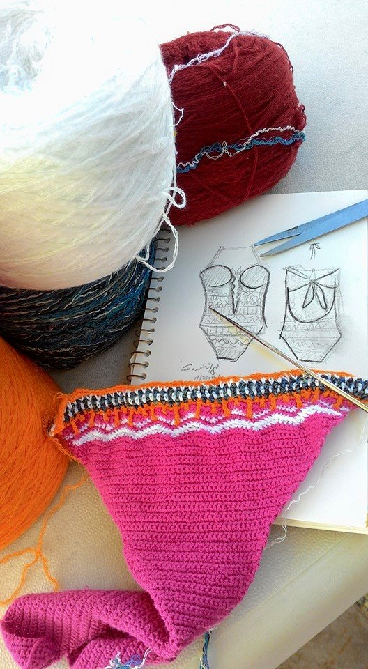 Quick sketch, yarn selections and initial go